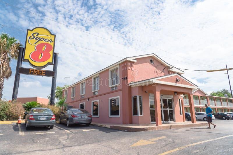 Yttersida av toppet 8 hotell i Austin, Texas, USA fotografering för bildbyråer
