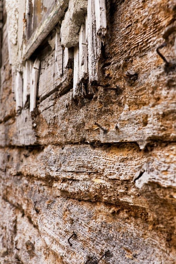 ytterträ för åldrig byggnad royaltyfri foto