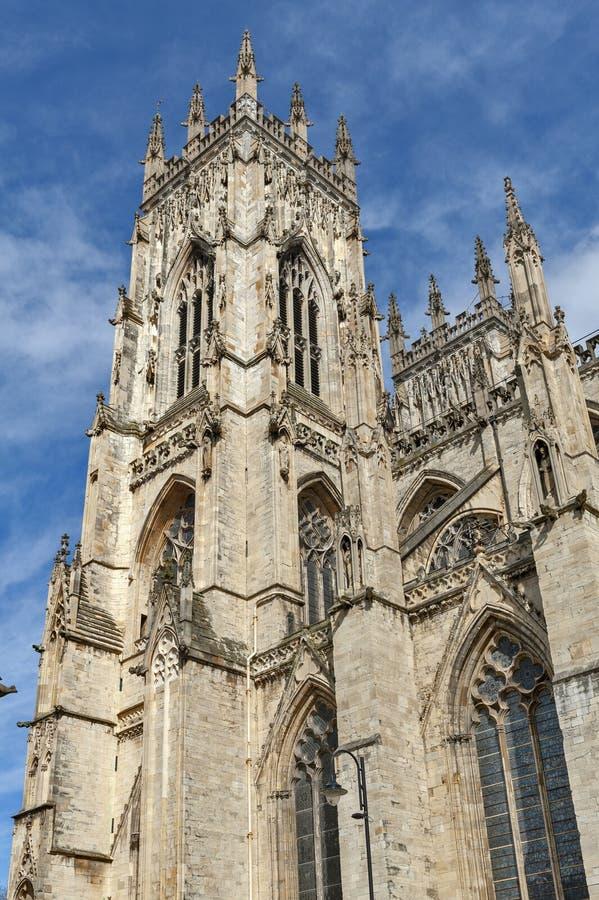 Yttre byggnad av den York domkyrkan, den historiska domkyrkan byggde på engelska gotisk stil som lokaliserades i stad av York, En royaltyfri foto