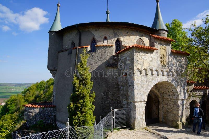 Yttre ingång av lichtenstein slottområde fotografering för bildbyråer