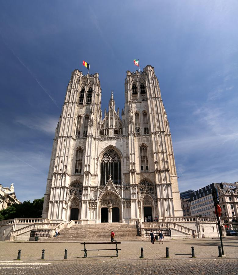 Yttre sikt till St Michael och domkyrkan för St Gudula, Bryssel, Belgien royaltyfria bilder
