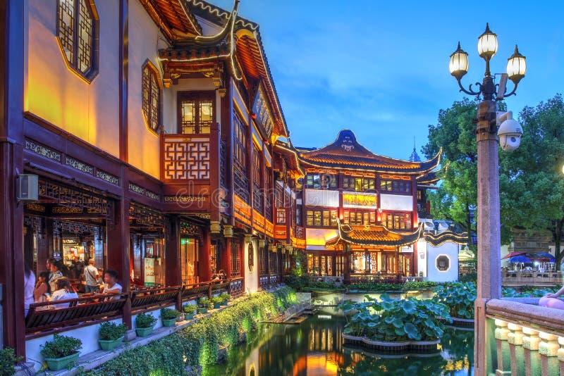 Yu Gardens och Bazaar, Shanghai, Kina arkivbilder
