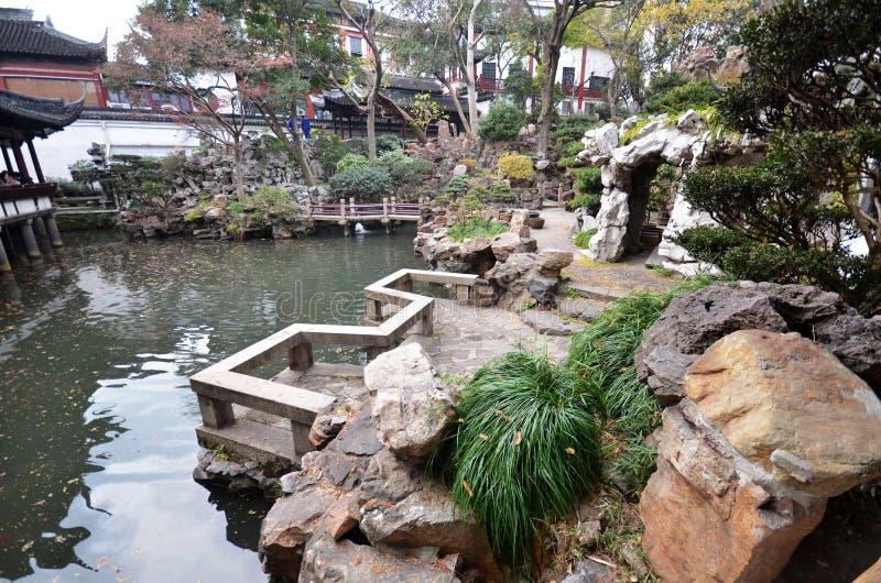 Yu Yuan Yu Garden i Shanghai royaltyfria bilder