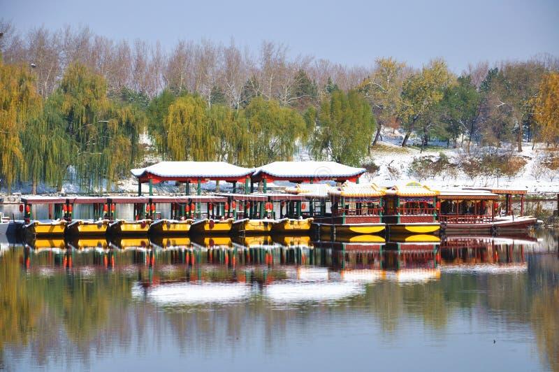 Yuanmingyuan-Ruinen im Schnee stockfotografie