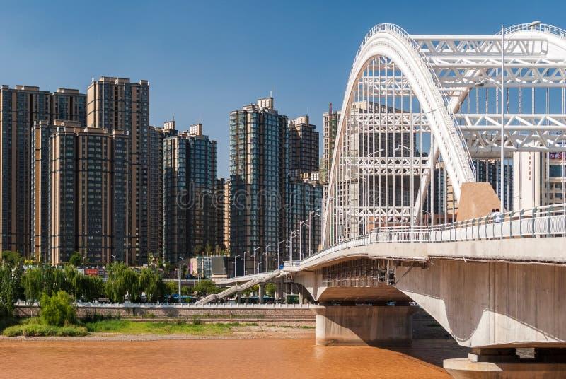 Yuantong most nad Żółtą rzeką w Lanzhou Chiny obrazy stock