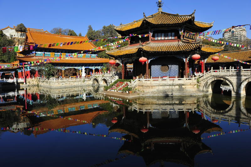 Yuantong tempel royaltyfri bild