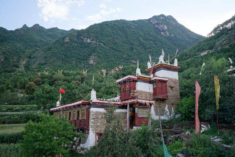 Yuba de Dan de province de Sichuan de la Chine, village tibétain de jiaju, beau paysage naturel photo stock