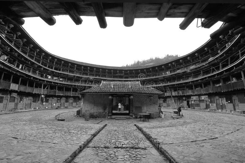 Yuchanglou tulou budynku wnętrze, czarny i biały wizerunek zdjęcia stock