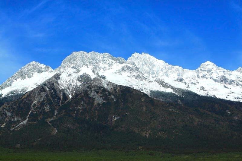 YuLongXue shan - chabeta smoka śniegu góra obrazy royalty free