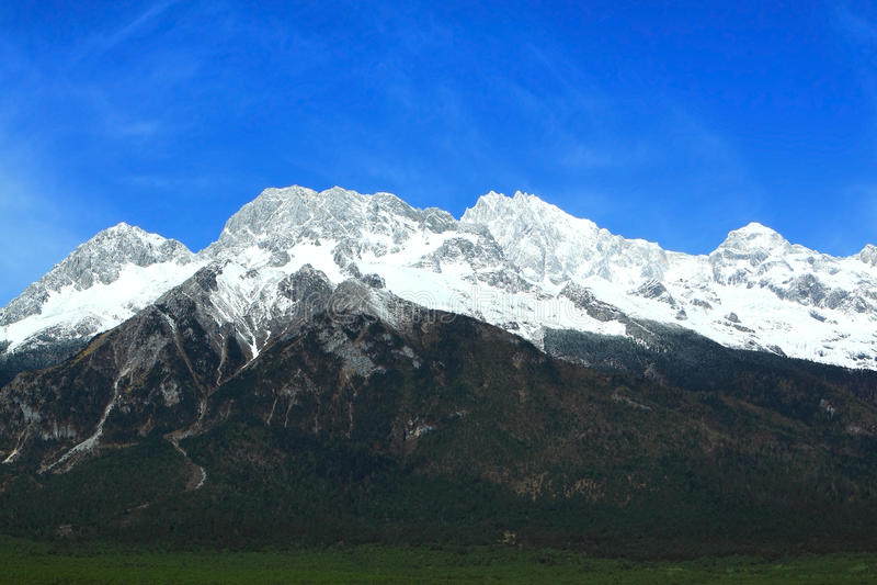 YuLongXue Shan - Jade Dragon Snow Mountain royaltyfria bilder