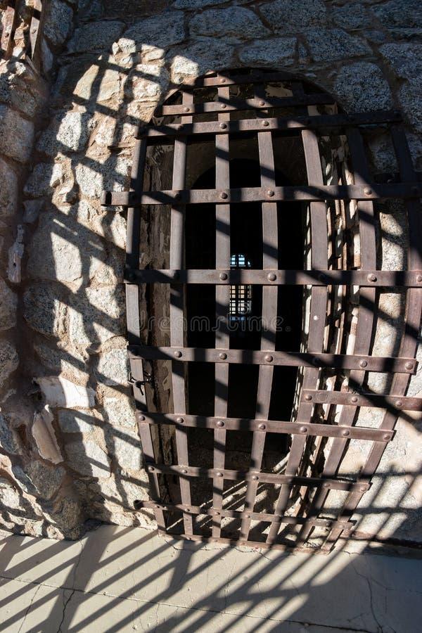 Yuma Territorial Prison, celdeur en schaduwen royalty-vrije stock afbeelding