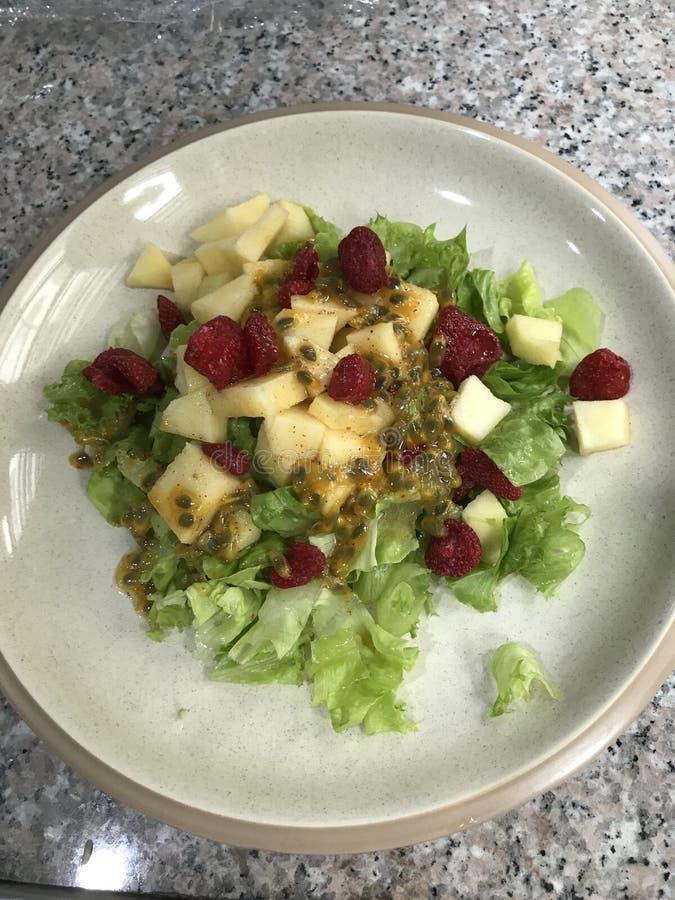 Yummy домодельный салат стоковое фото rf