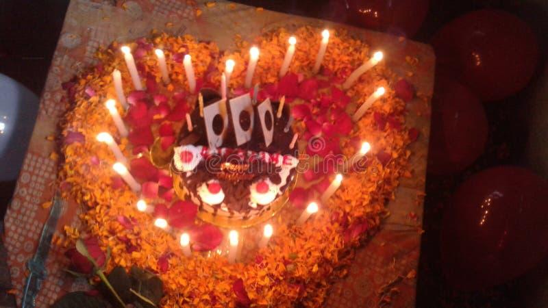 yummy сюрприз любовника шоколадного торта стоковые фото