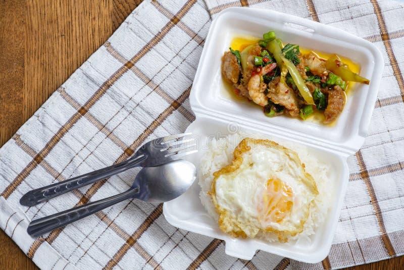 Yummy lokale voedsel van Thailand op de resturant straat royalty-vrije stock afbeeldingen