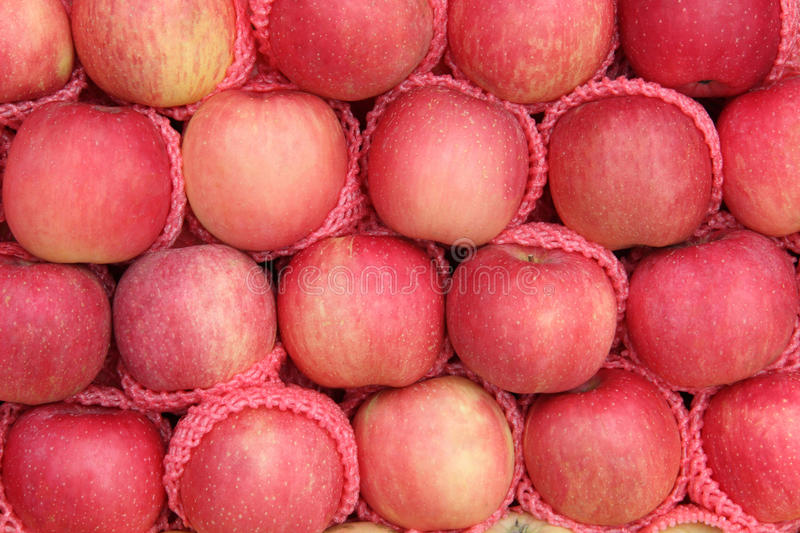 Yummy Pile Of Apples Fruit In A Market Royalty Free Stock Image