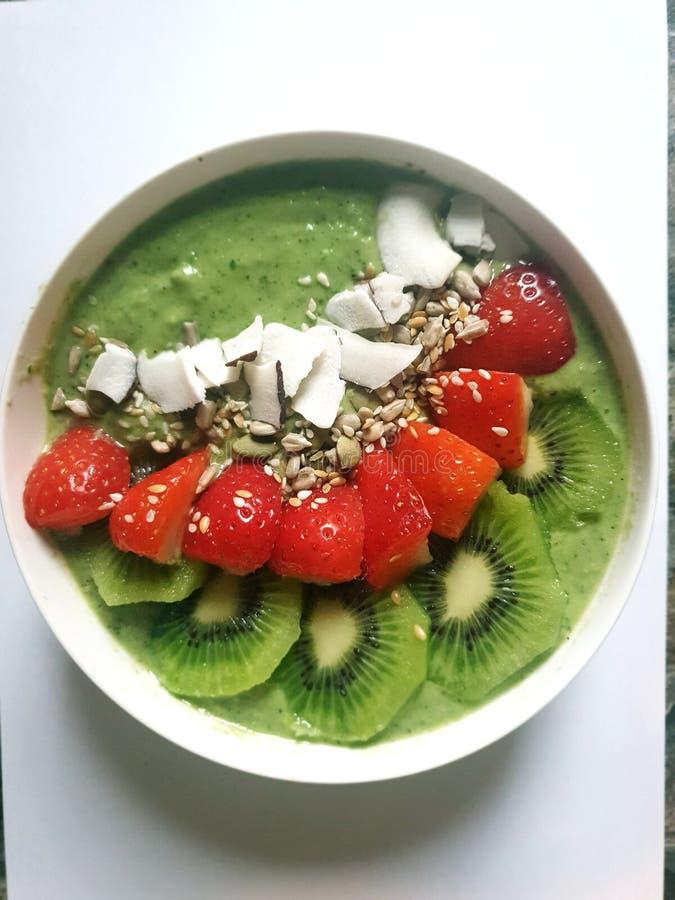 Yummy Vibrant Green Smoothwl immagine stock libera da diritti