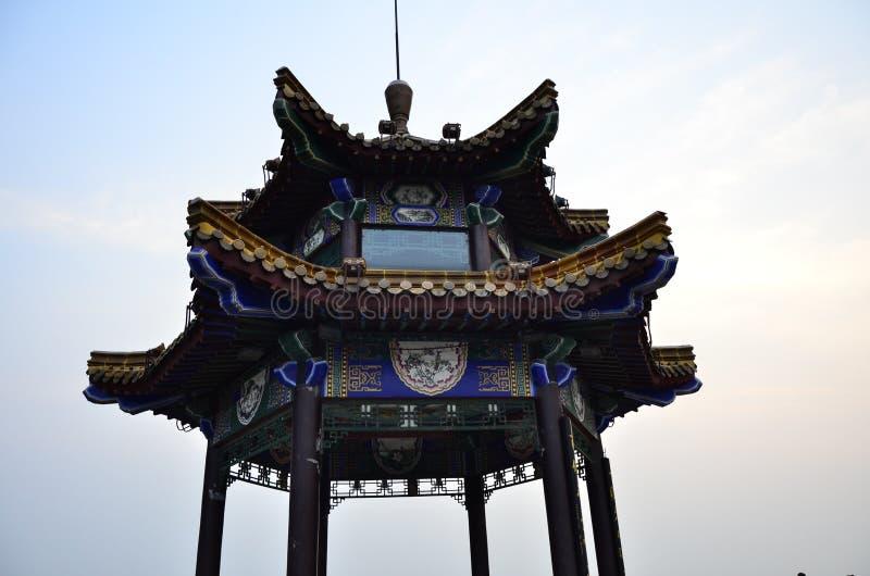 Yunlong山顶的Yunlong山观察亭子在徐州中国 图库摄影