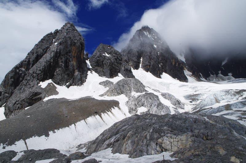 Yunnan Jade Dragon Snow Mountain arkivfoton