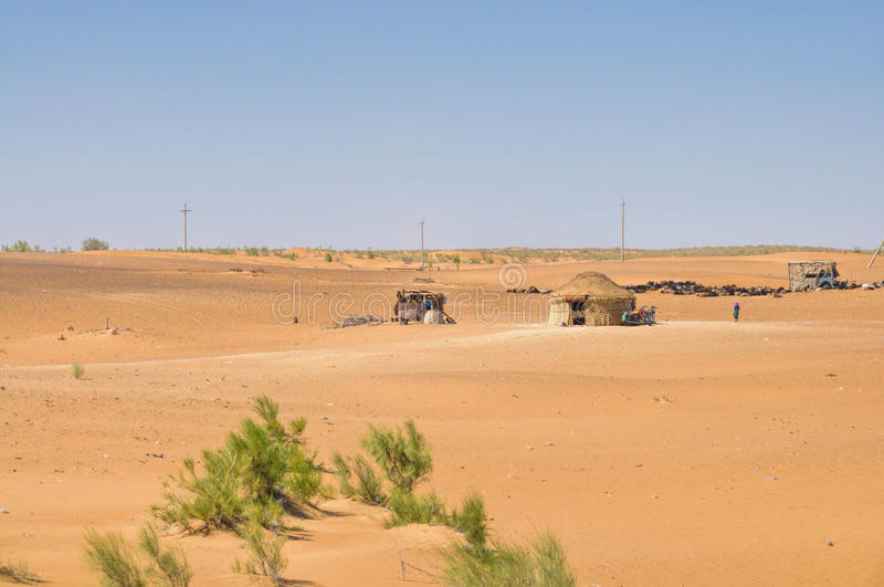 Yurt在沙漠 库存照片