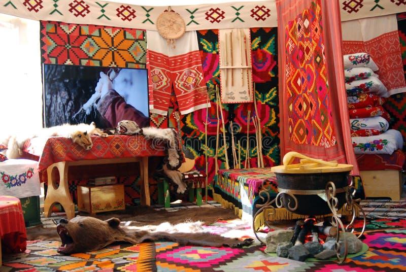 Yurt inre som visas på Sabantui beröm i Moskva royaltyfria foton