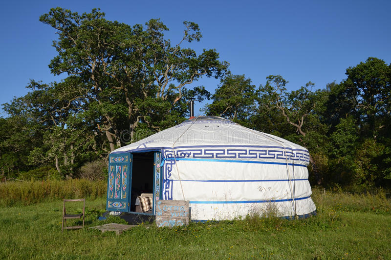 Yurt – a mongolian ger. Portable bent dwelling structure traditionally used by nomads in the steppes of Central Asia. Photographed near Fort Williams stock photo