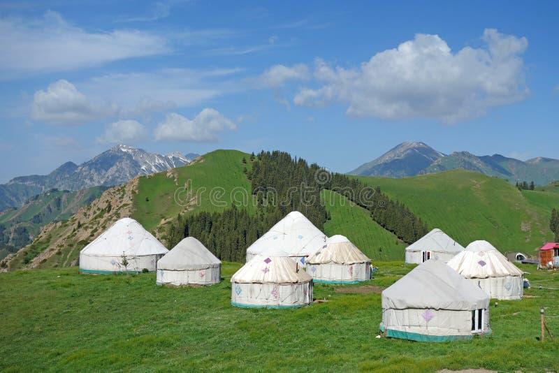 Yurts στα βουνά στοκ φωτογραφία με δικαίωμα ελεύθερης χρήσης