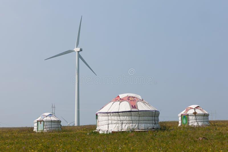 Yurts στο λιβάδι στοκ φωτογραφίες με δικαίωμα ελεύθερης χρήσης