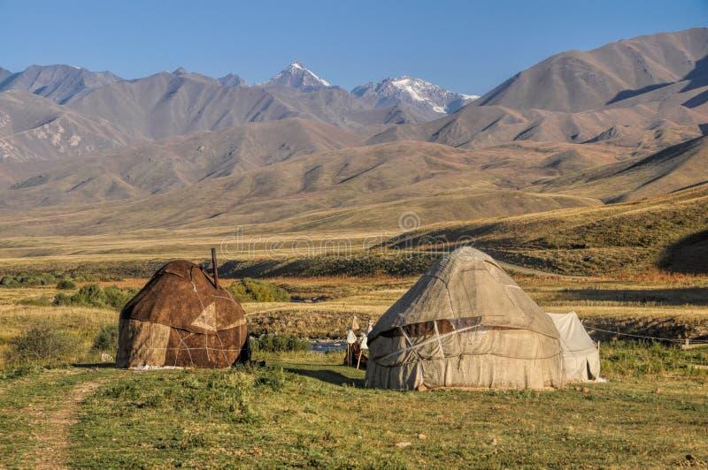 Yurts en Kirguistán foto de archivo