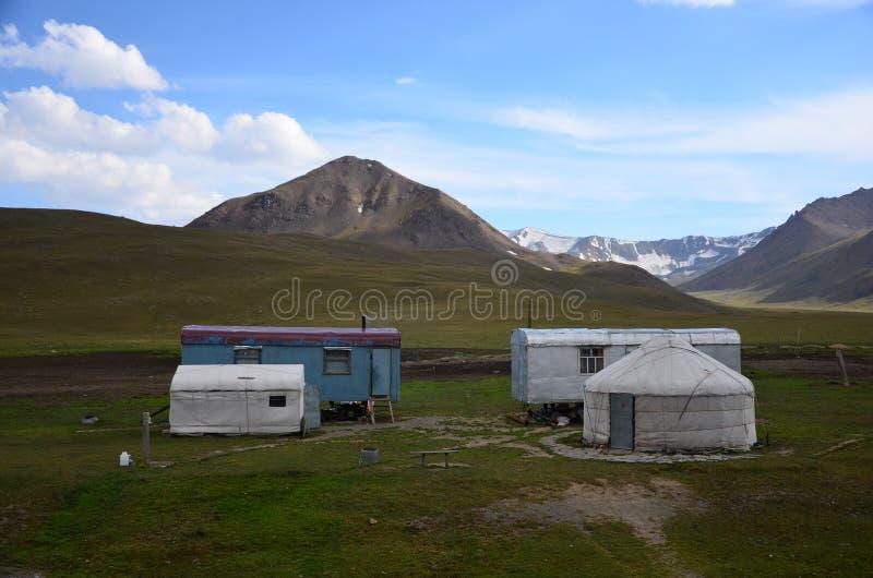 Yurts tradicional em Kyrgyzystan fotografia de stock