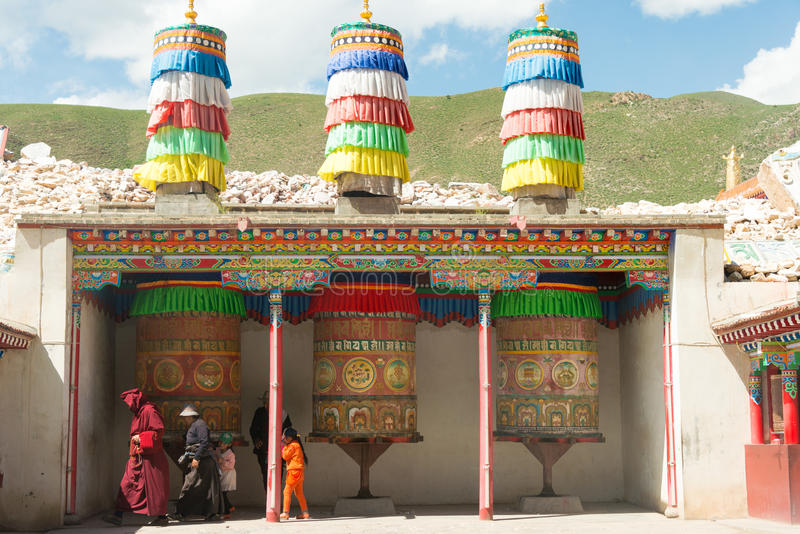 YUSHU(JYEKUNDO), CHINA - Jul 12 2014: Mani Temple(Mani Shicheng). a famous landmark in the Tibetan city of Yushu, Qinghai, China. stock images