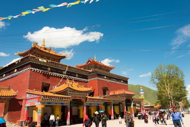 YUSHU (JYEKUNDO), CHINA - 12 Juli 2014: Mani Temple (Mani Shicheng) stock fotografie