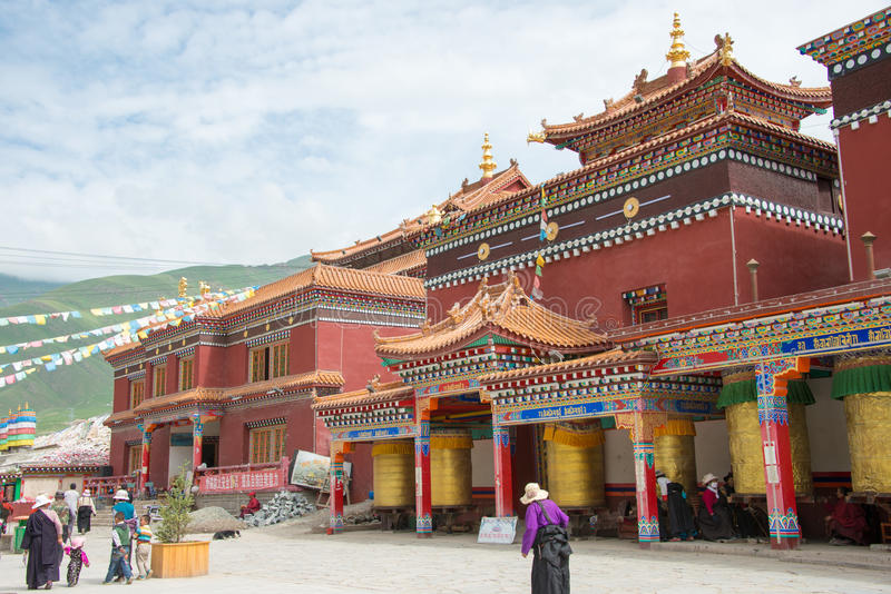 YUSHU () JYEKUNDO CHINY, Jul, - 13 2014: Mani świątynia (Mani Shicheng) obrazy royalty free