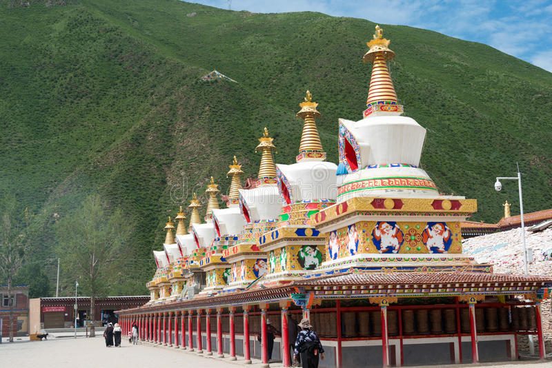 YUSHU () JYEKUNDO CHINY, Jul, - 13 2014: Mani świątynia (Mani Shicheng) fotografia royalty free
