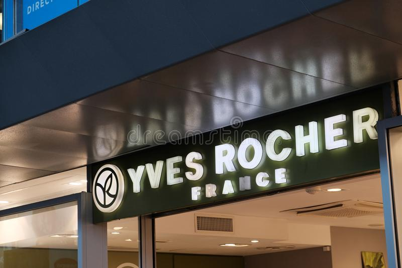 Yves Rocher-Speicher lizenzfreie stockbilder