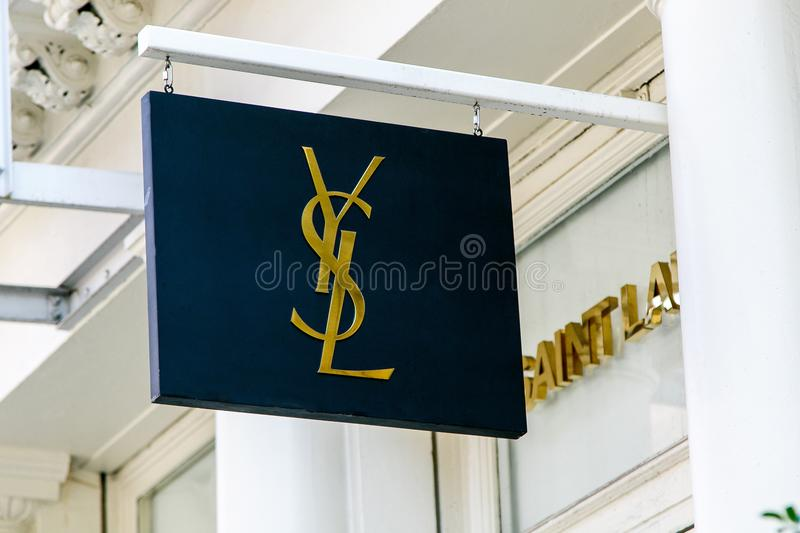 Yves Saint Laurent sztandar fotografia royalty free
