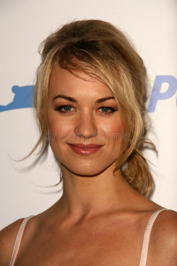 Download Yvonne Strahovski editorial photography. Image of palladium - 25460182