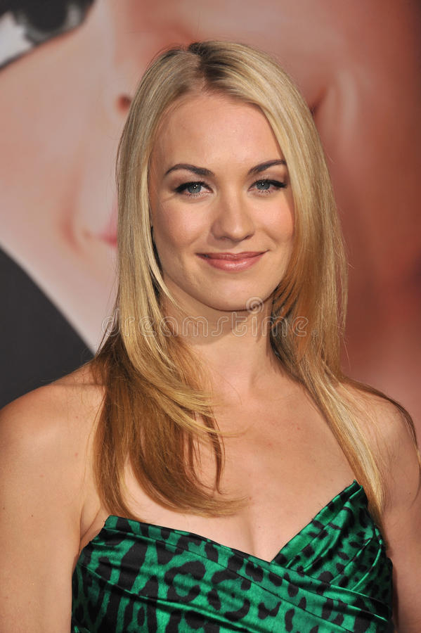 Yvonne Strahovski. At the world premiere of 'Tangled' at the El Capitan Theatre, Hollywood. November 14, 2010 Los Angeles, CA Picture: Paul Smith / Featureflash stock photography