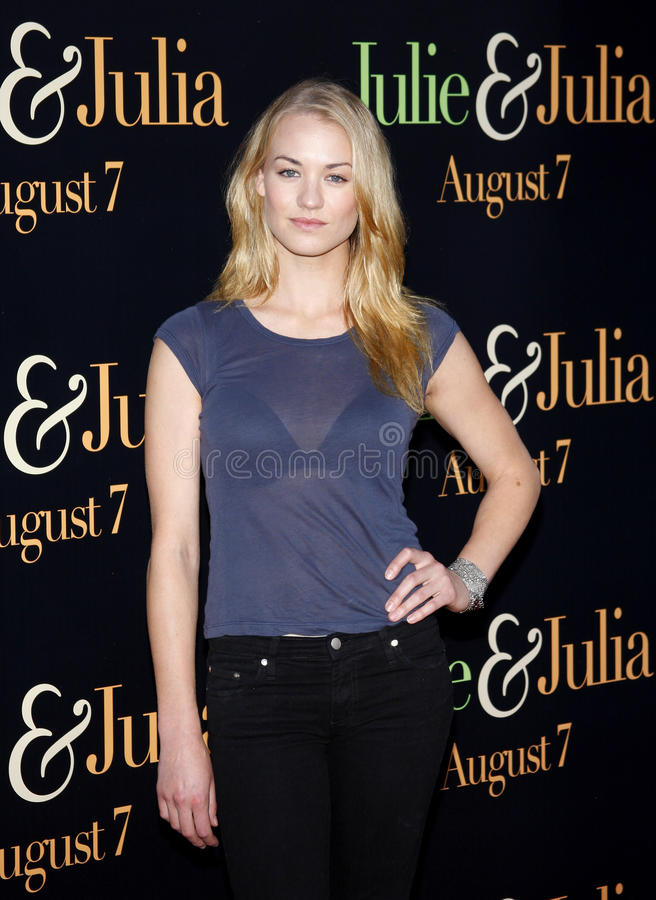 Yvonne Strahovski. At the Los Angeles premiere of 'Julie and Julia' held at the Mann Village Theatre in Westwood, USA stock photos