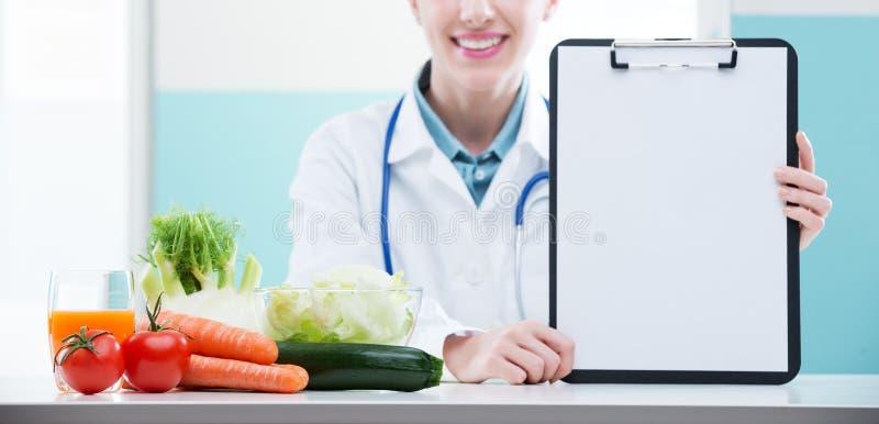 Żywiona lekarka zdjęcia stock