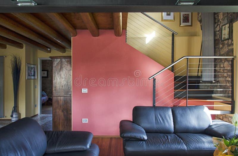 Żywy pokój luksusowy mieszkanie zdjęcia royalty free