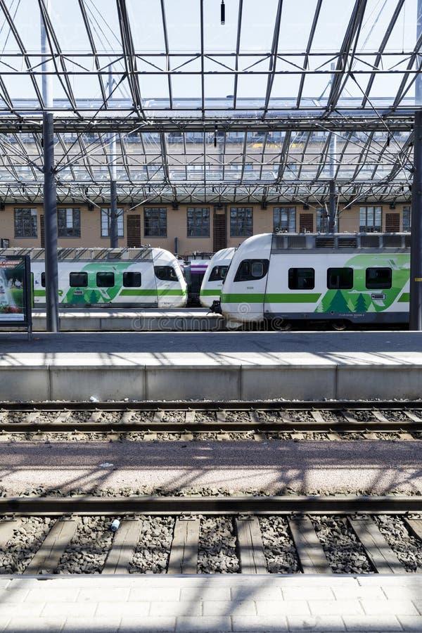 Züge im Bahnhof in Helsinki, Finnland am 5. August, 201 stockfoto