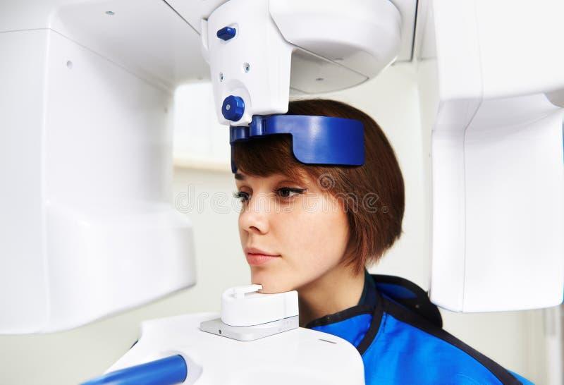 Zębu promieniowania rentgenowskiego wyposażenie obrazy stock