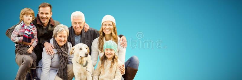 Złożony wizerunek portret rodzina z psem w parku obrazy royalty free