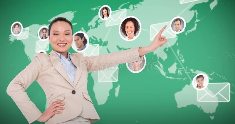 Złożony wizerunek uśmiechnięty azjatykci bizneswomanu wskazywać obrazy royalty free