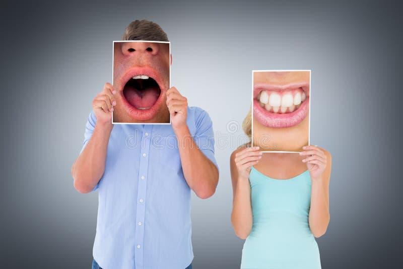 Złożony wizerunek zakończenie up żeński usta warczeć obrazy royalty free