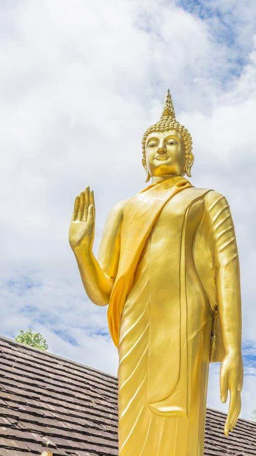 Złocista Buddha statua w tajlandzkiej świątyni, Tajlandia zdjęcie stock