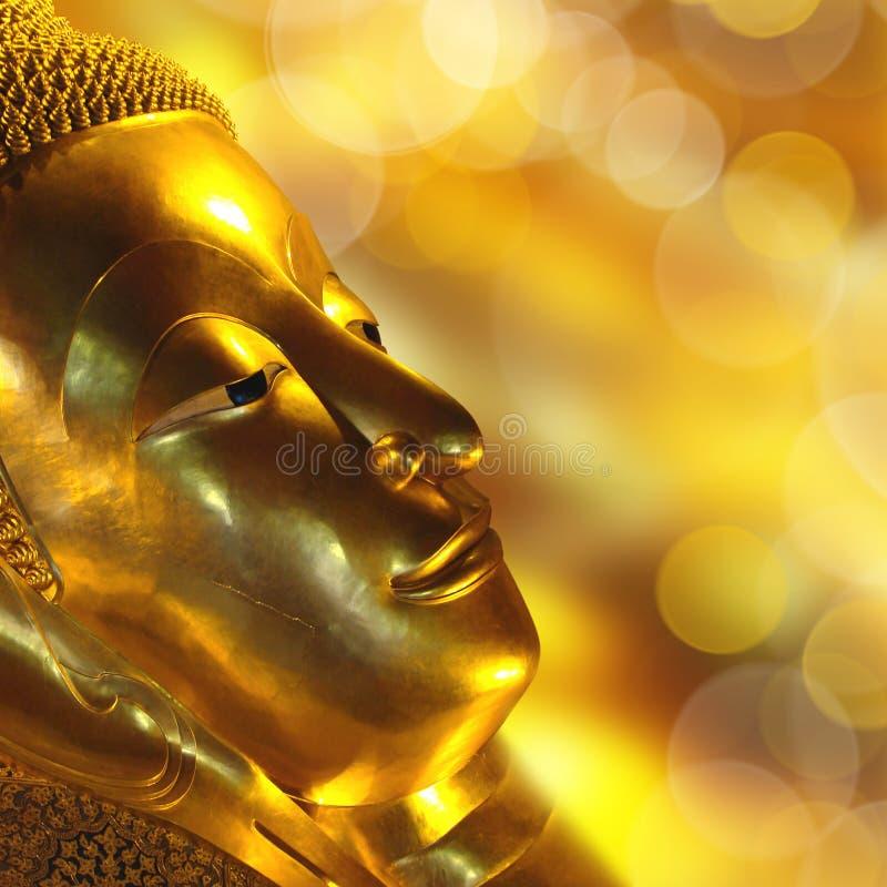 Złocisty Buddha stawia czoło zdjęcia royalty free