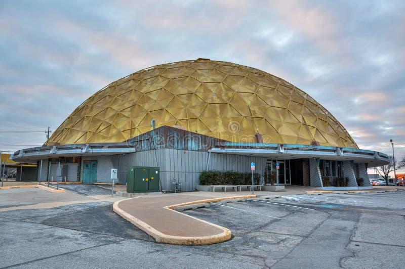 Złocisty kopuły wydarzenia centrum w Oklahoma City, OK obrazy stock