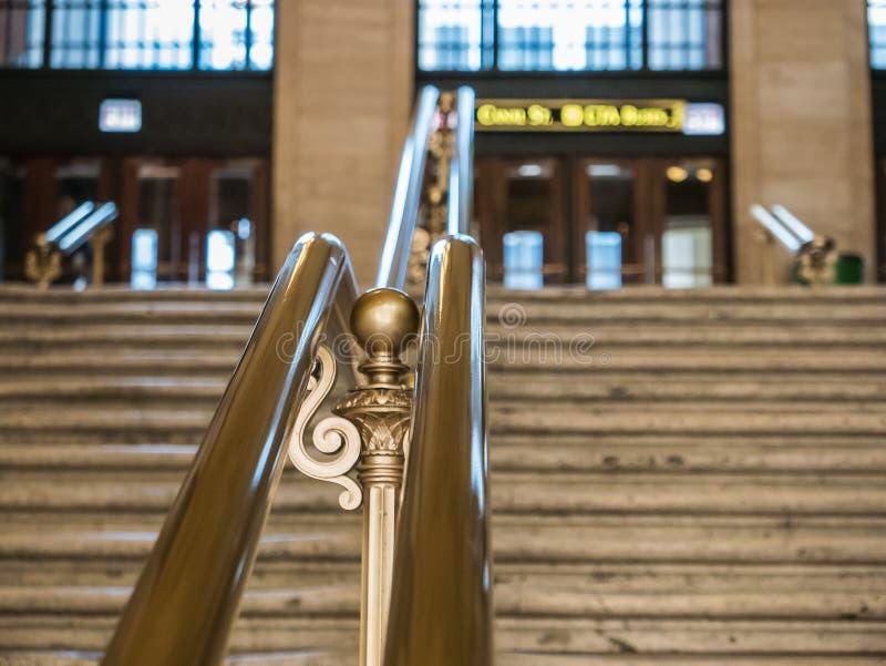 Złocisty poręcz, szczegół, przy zjednoczenie stacją, Chicago zdjęcie stock