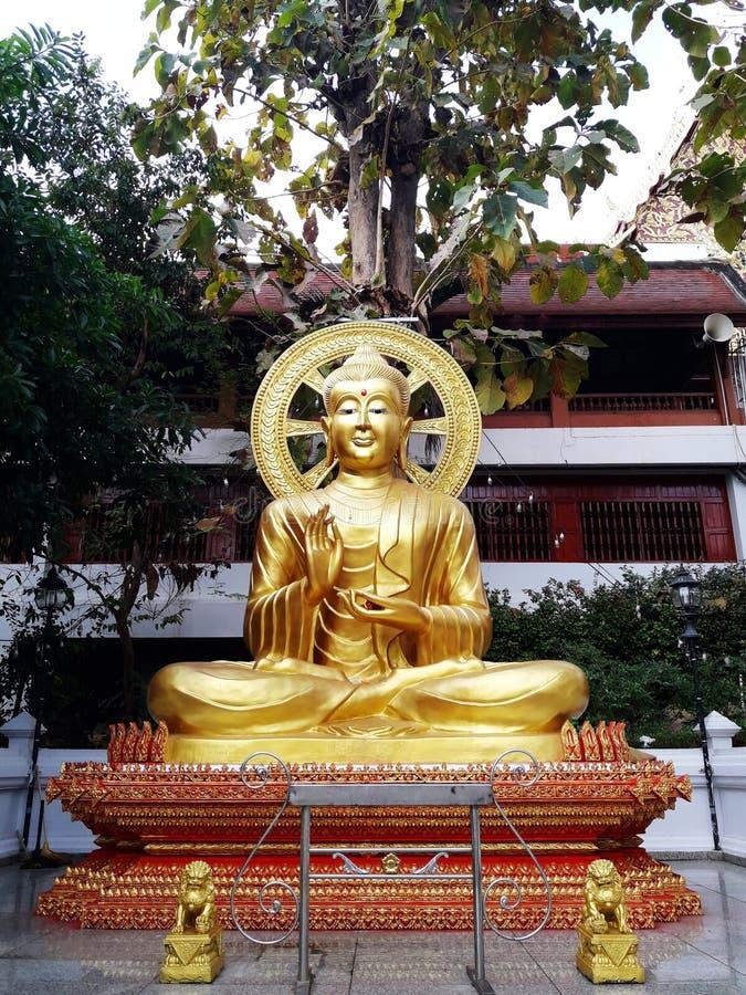 złota Buddha statua fotografia stock